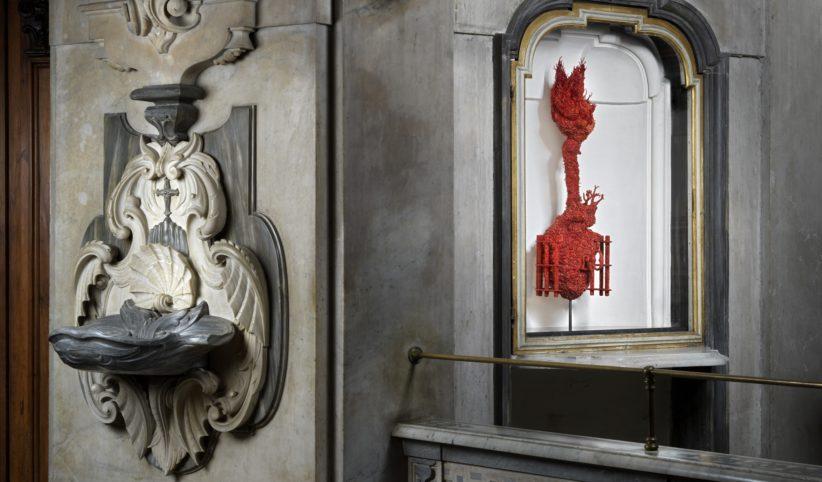 Jan Fabre. La Liberazione della Passione, 2019. Installation view. Cappella del Pio Monte della Misericordia, Napoli. Foto: Grafiluce - L. Romano