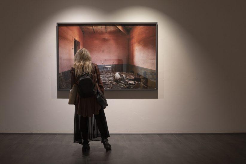 Marina Paris, dalla serie 'Under Deconstraction', 2014-2015, ph. Emanuele Bajo