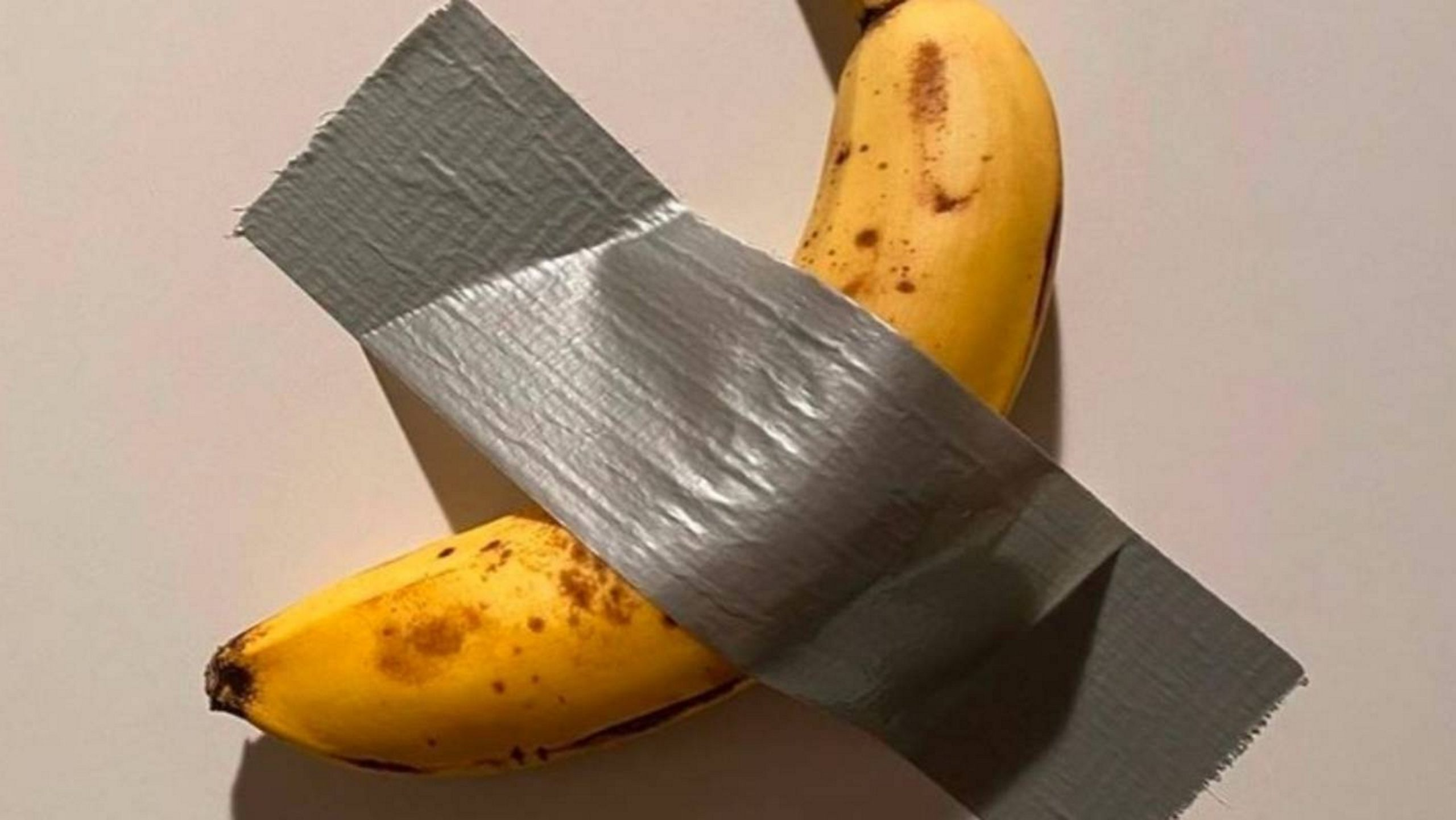 120mila euro per una banana! L'ultimo colpo di Maurizio Cattelan ad Art Basel Miami Beach