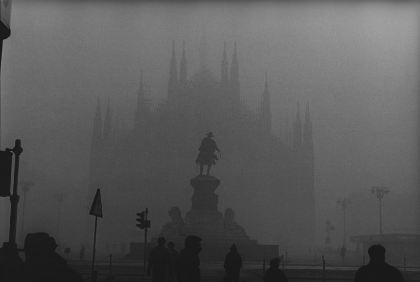 Nebbia in piazza Duomo © Archivio Carlo Orsi
