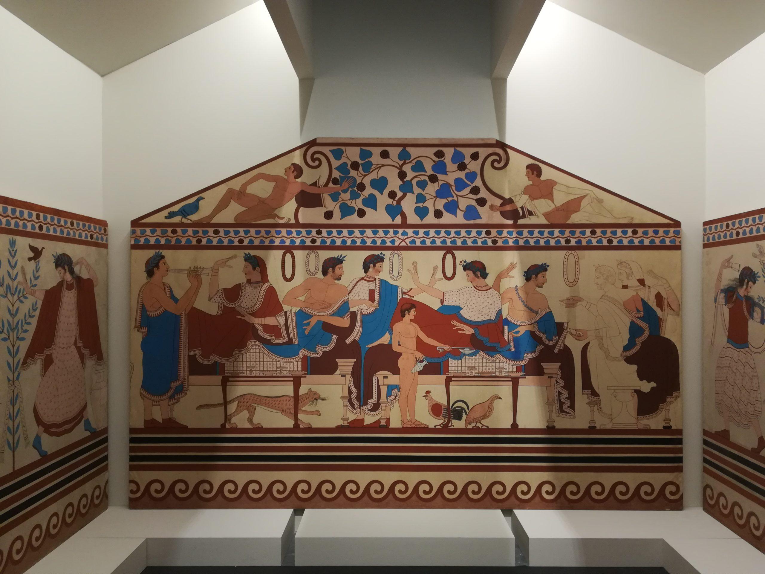 Oggetti funzionali dall'estetica meravigliosa. 1400 pezzi per una mega mostra sugli Etruschi a Bologna