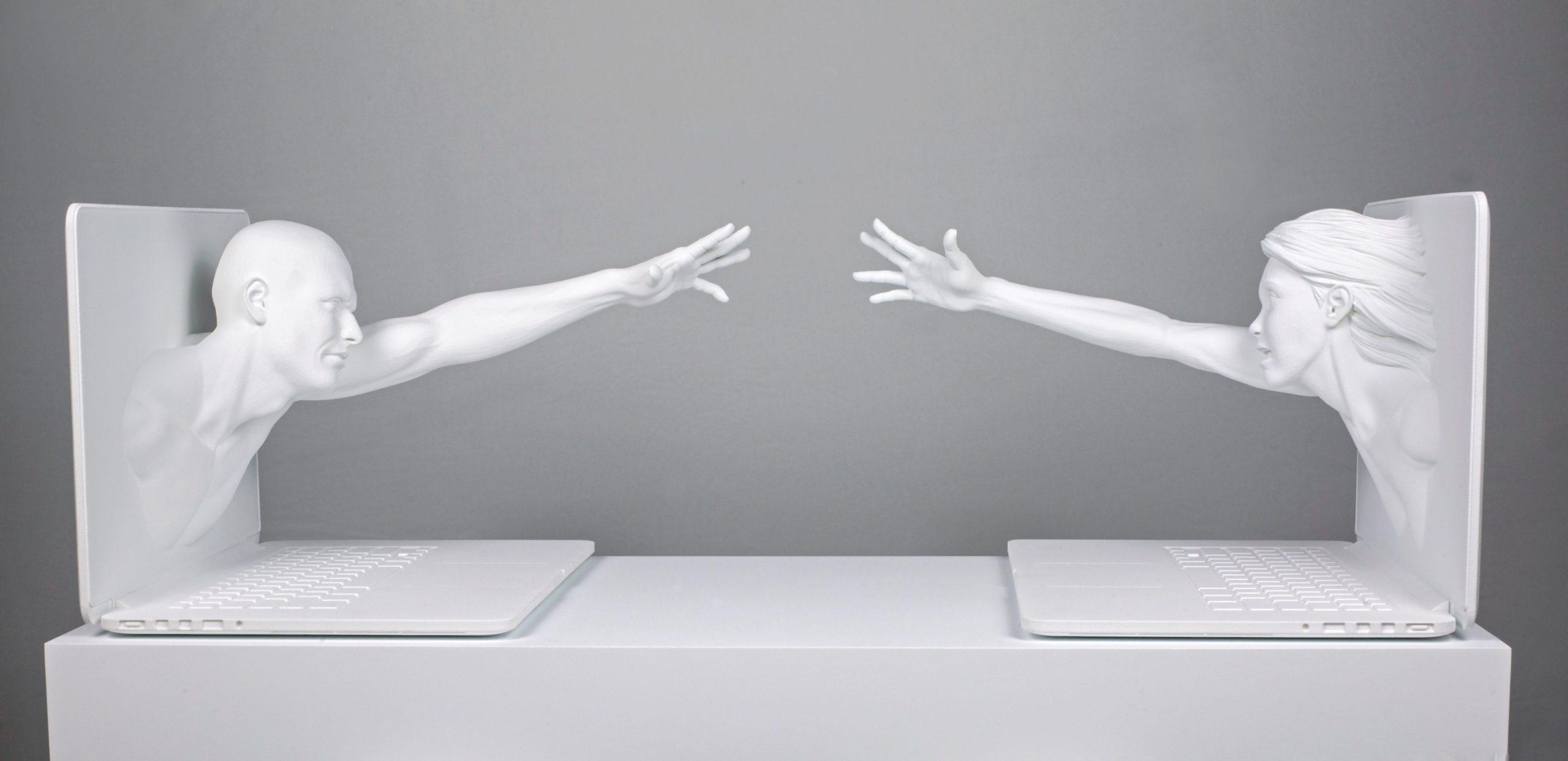 Tecnologia e arte si incontrano a Milano: Federico Clapis presenta #deepscrolling