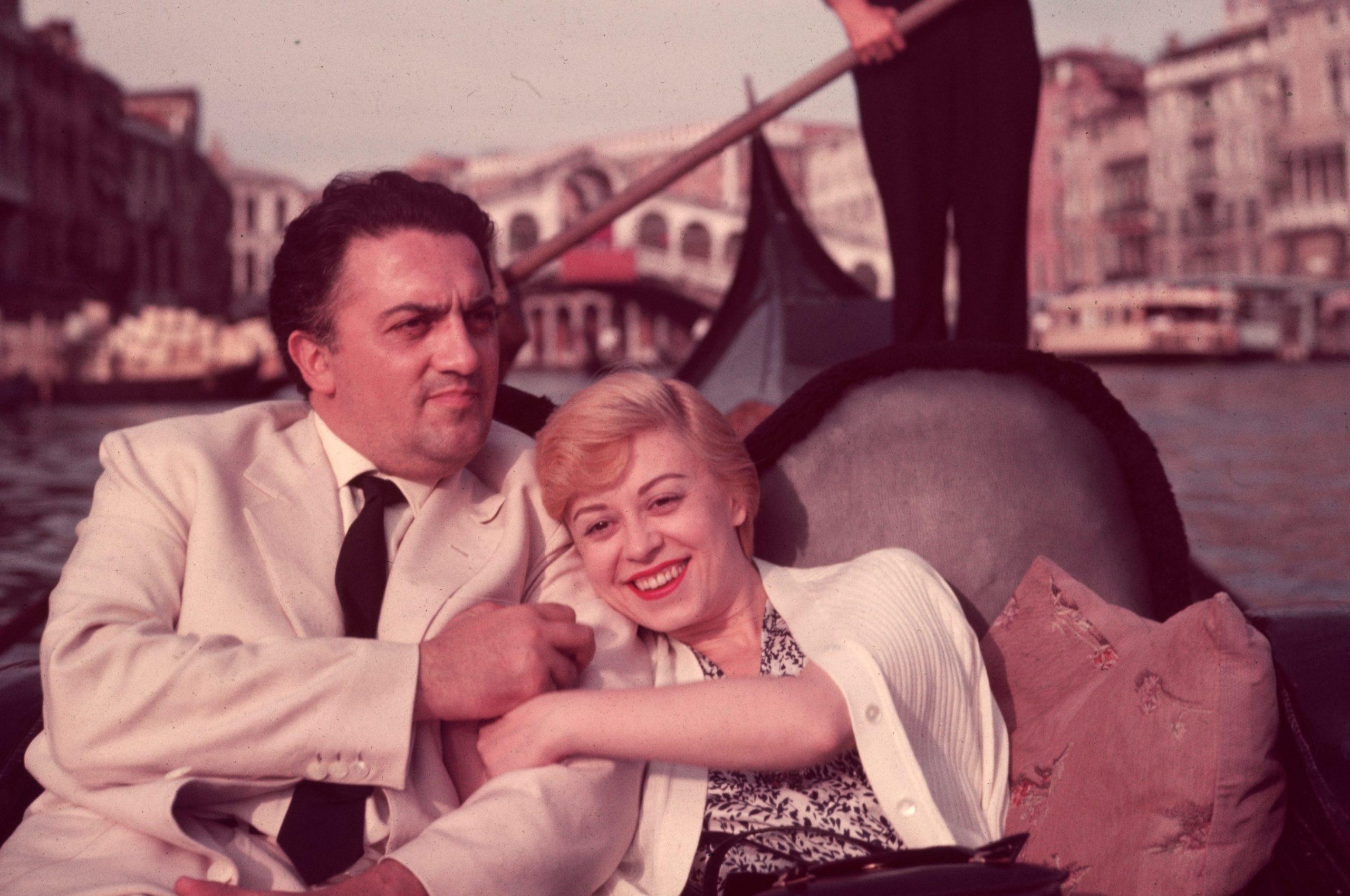Federico Fellini compie cent'anni. In arrivo a Milano, una grande mostra dedicata al genio immortale