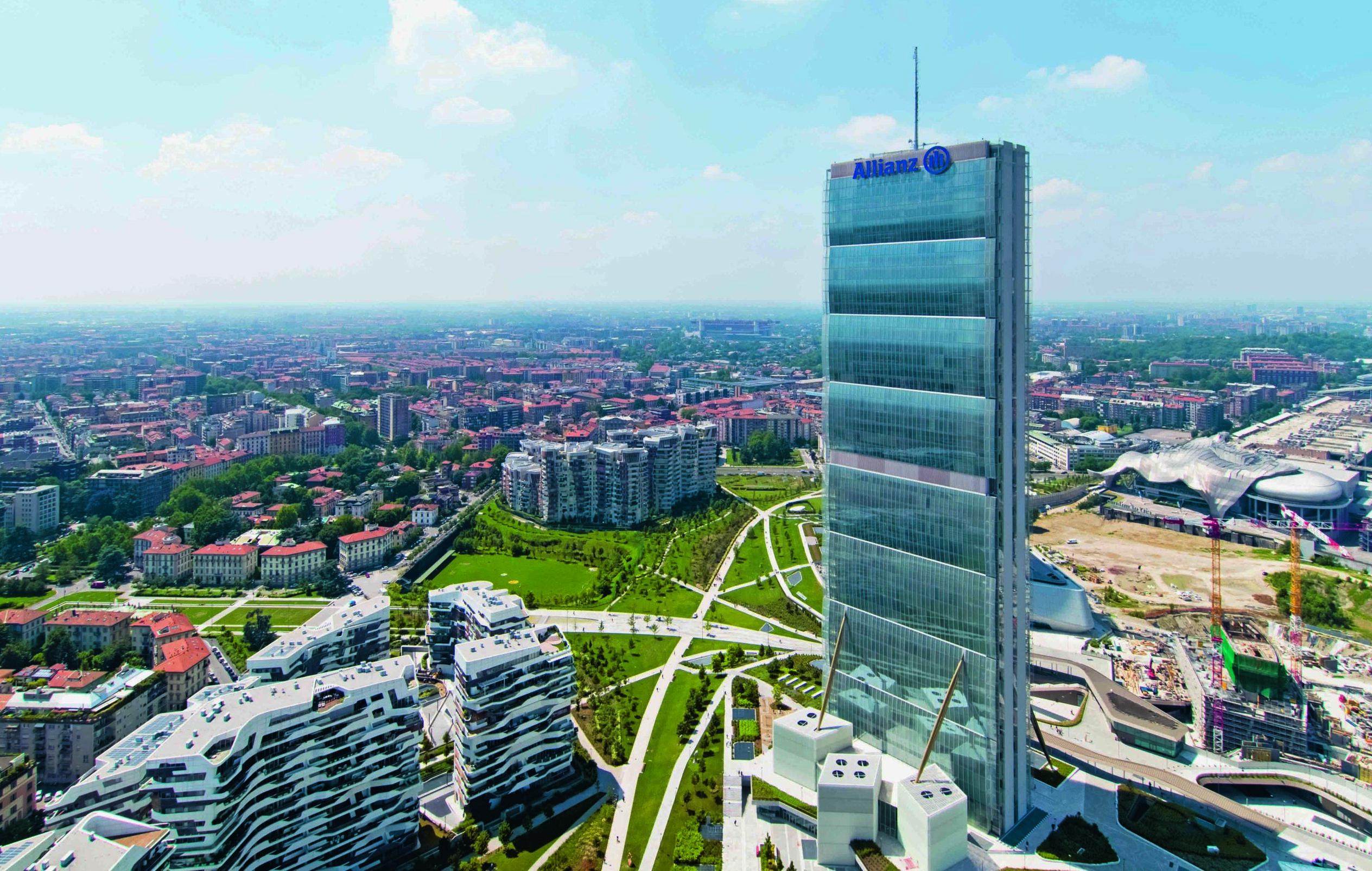 La storia e i segreti della Torre Allianz di Milano raccolti in un libro, un modulo di sei piani ripetibile potenzialmente all'infinito