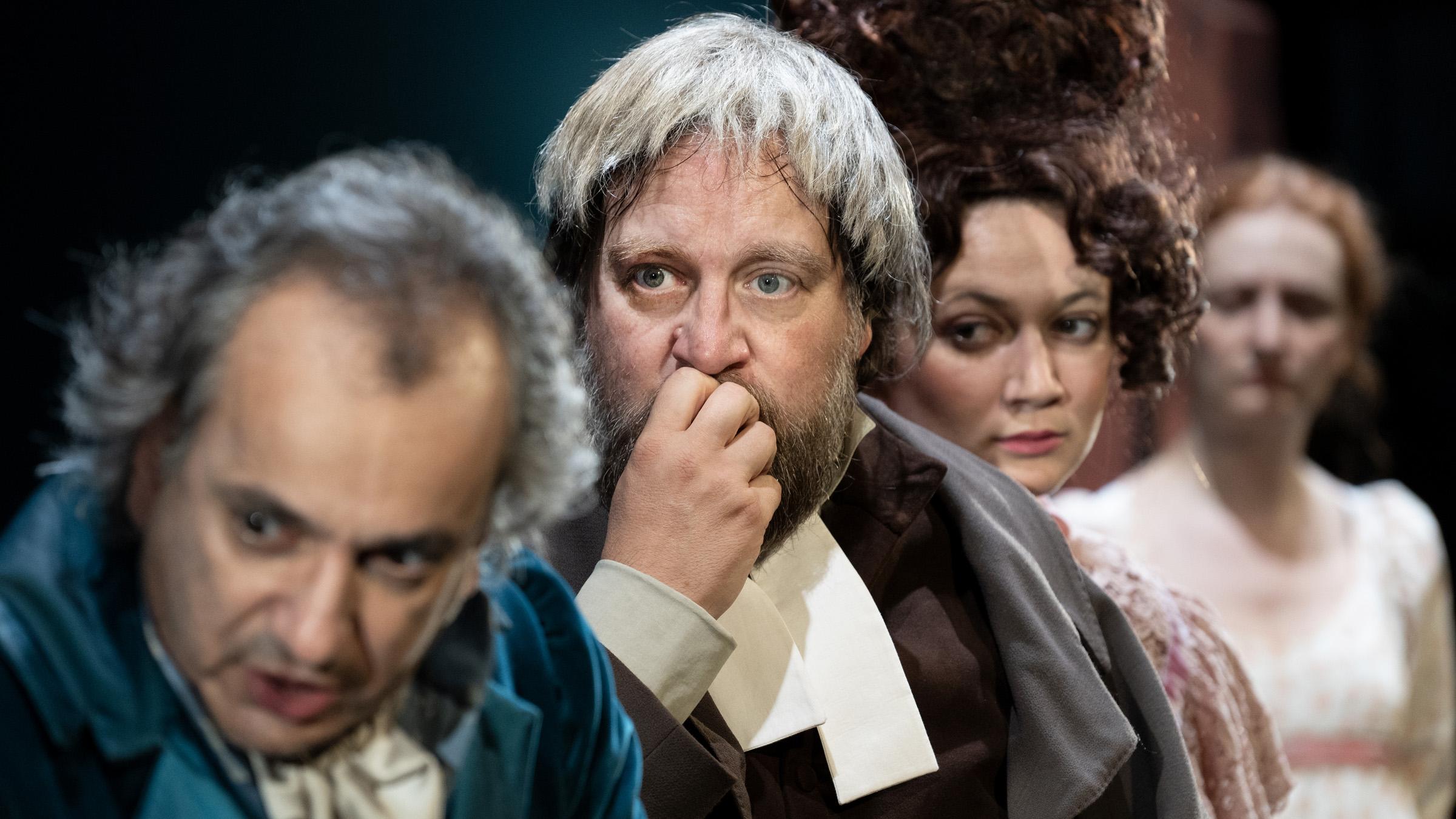 Orgoglio e pregiudizio al Mercadante di Napoli, la prima versione teatrale italiana del capolavoro di Jane Austen