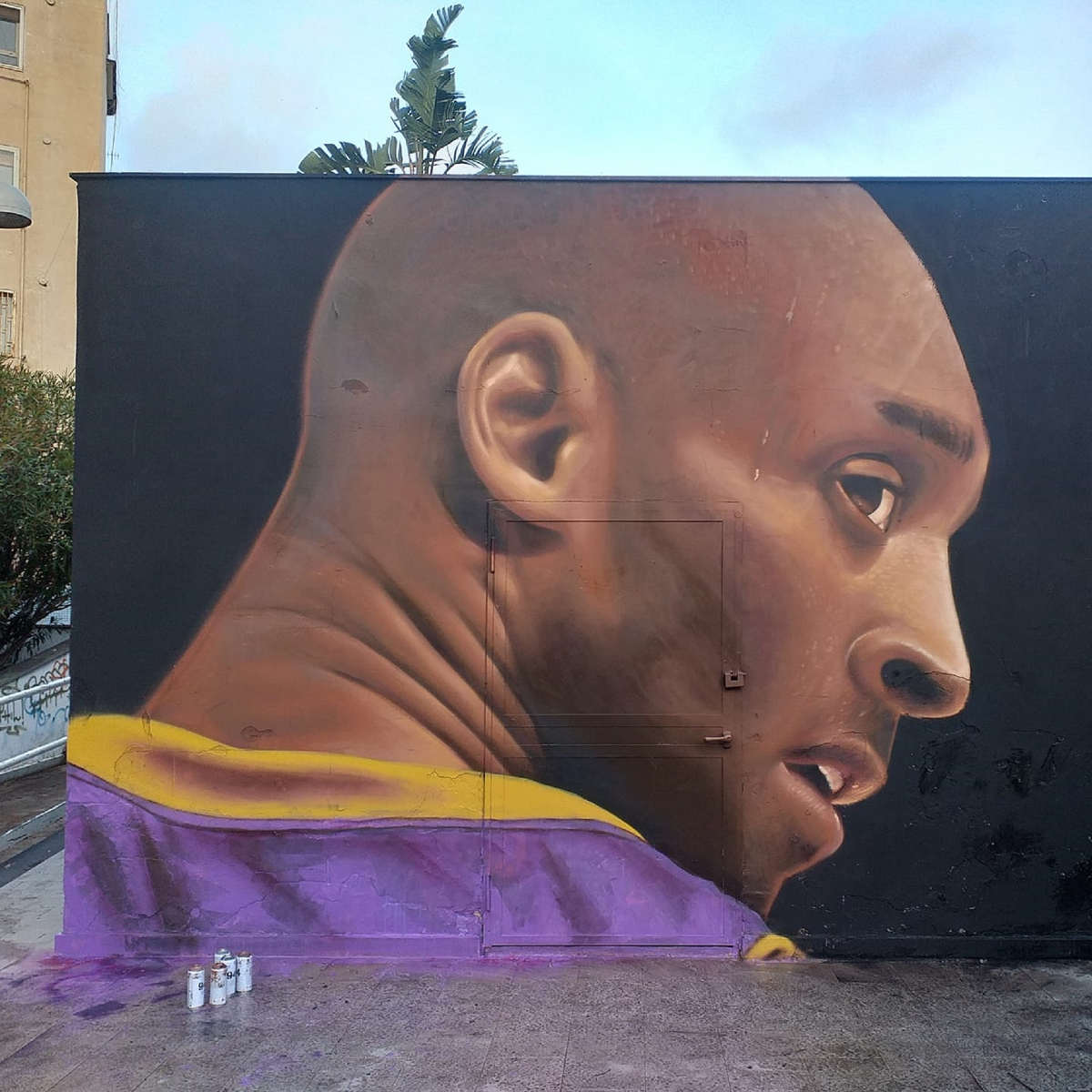 Kobe Bryant. Da Jorit a TvBoy, la Street Art glorifica il gigante buono del Basket