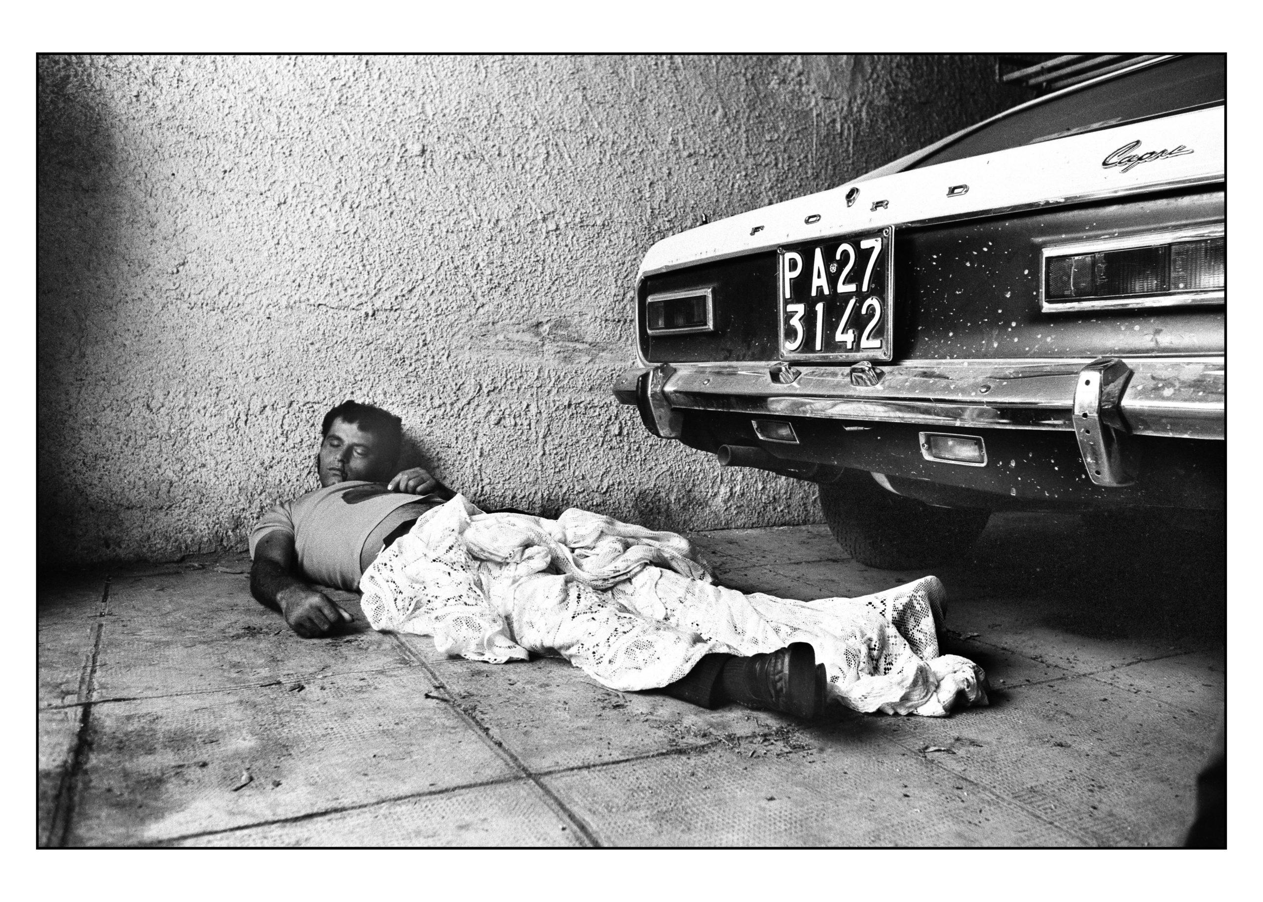 Violenza in bianco e nero: Letizia Battaglia racconta gli anni di piombo di Palermo, a Napoli