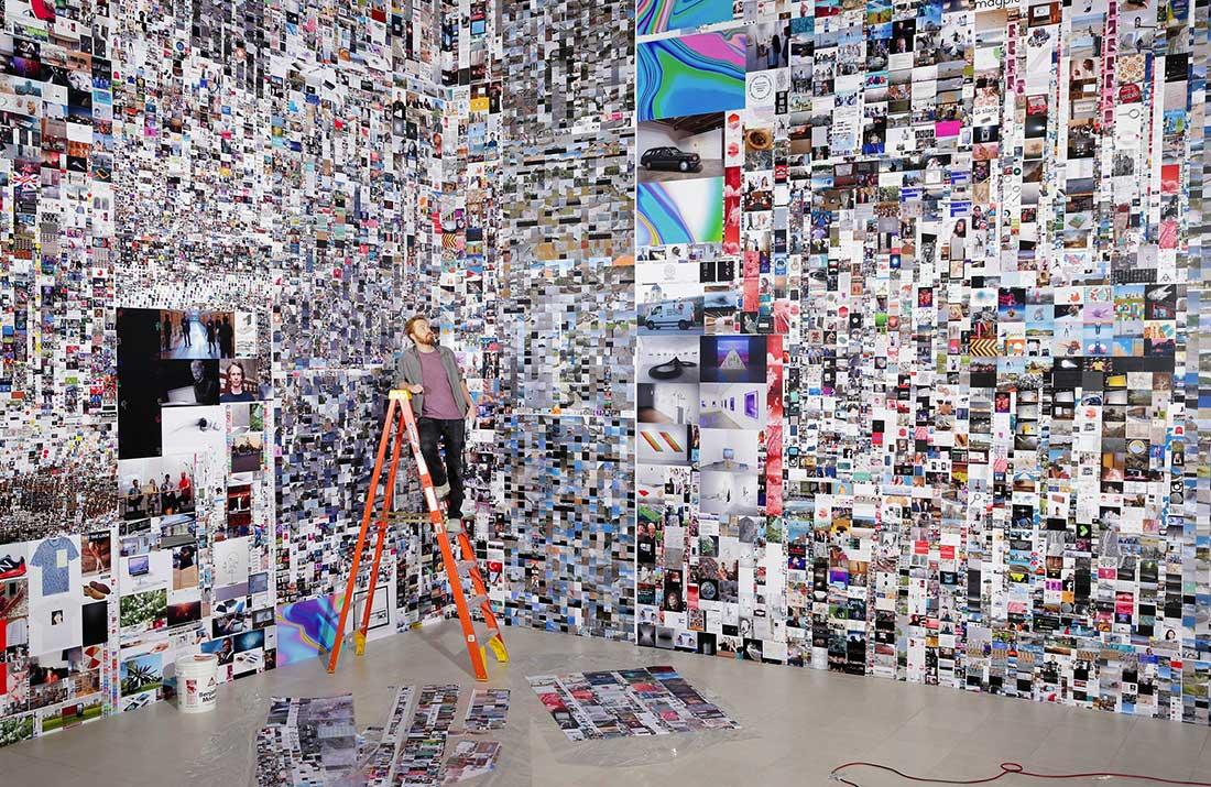 Come gestire un mondo saturo di immagini? La mostra-risposta dello Jeu de Paume di Parigi