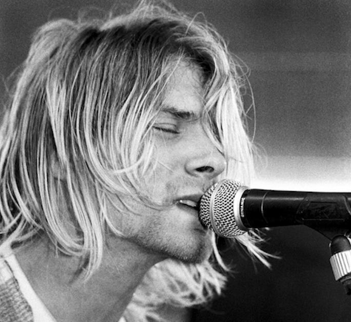 Nirvana: storia di una band che ha stuprato un decennio