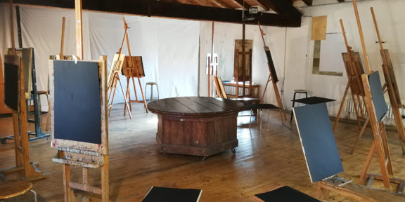 Stefano Scheda, Scuola libera del nudo (performance), 2020. Courtesy l'artista e Galleria Fumagalli Milano