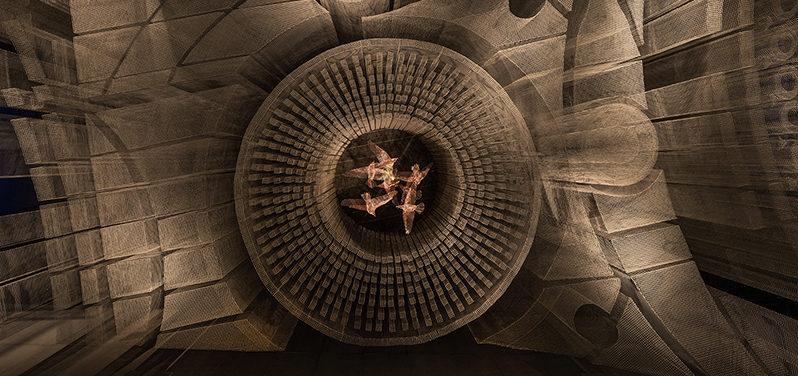 Un relitto architettonico sospeso di 6 metri a New York! La nuova creazione di Tresoldi rende omaggio all'East Village