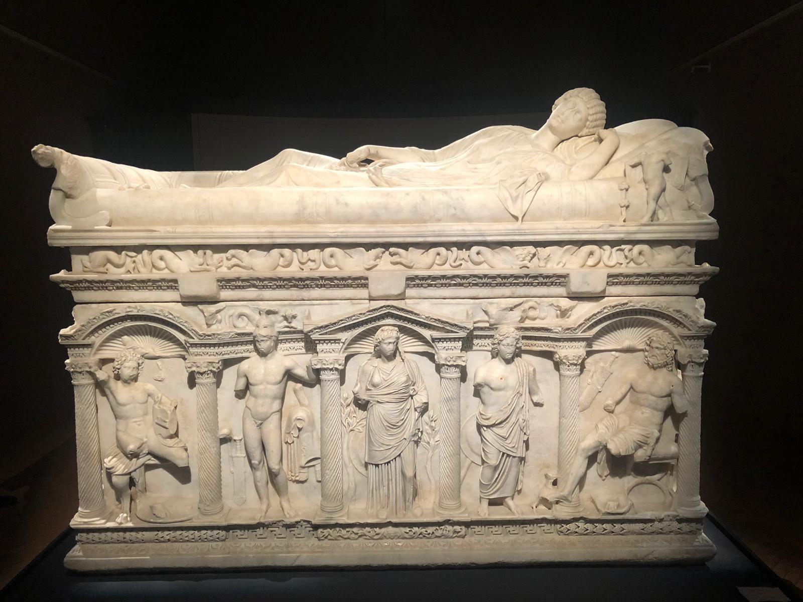 Storie da Melfi: il sarcofago di Rapolla e l'ultima Roma imperiale