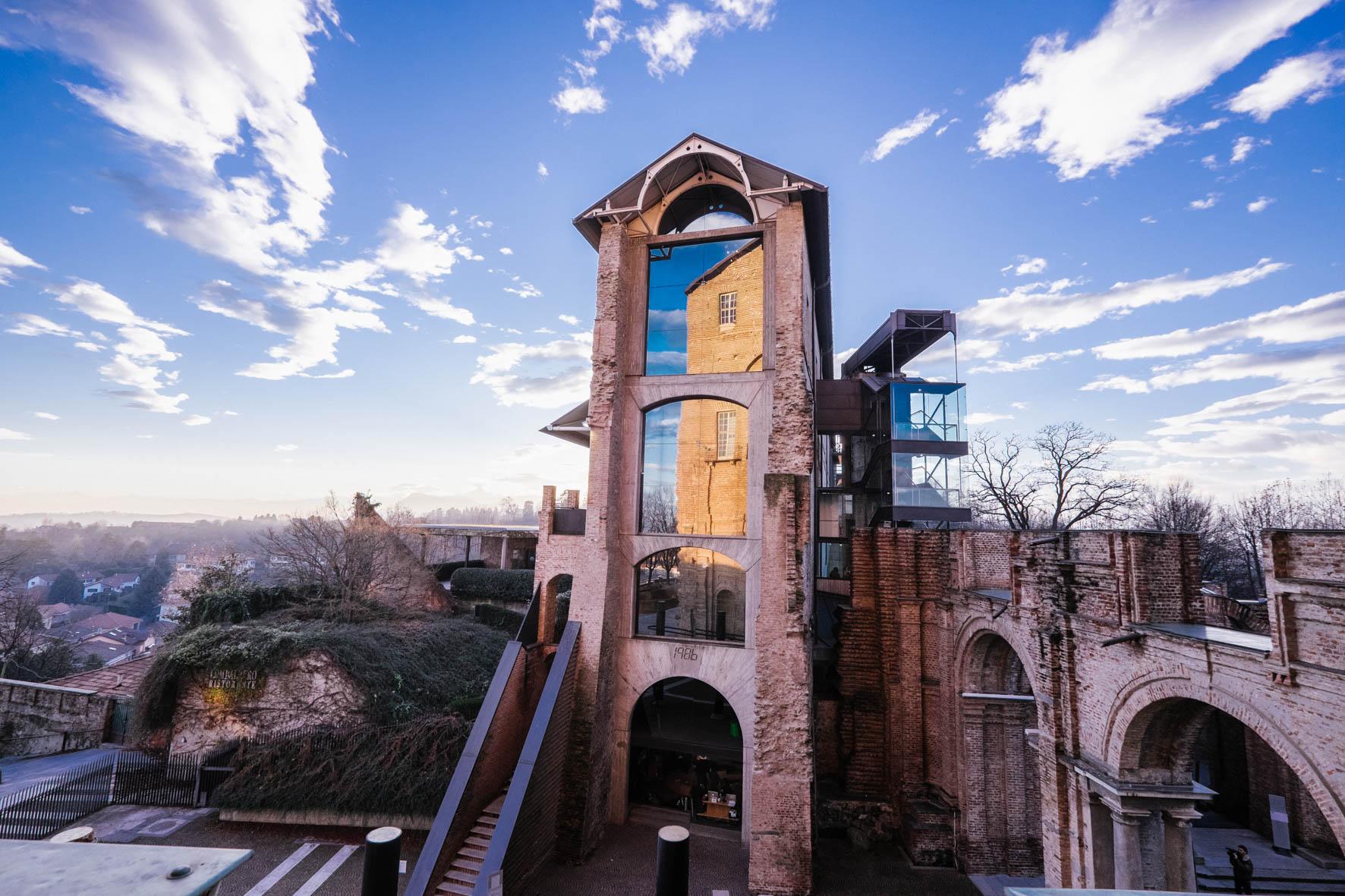 Il Cosmo Digitale del Castello di Rivoli è più di un semplice simulacro del museo non visitabile