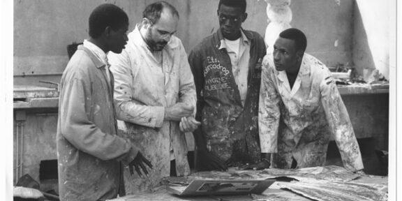 Bruno Ceccobelli a Dakar, in Senegal, nel 1993, docente all'Accademia di Belle Arti (foto Sandro Vannini)