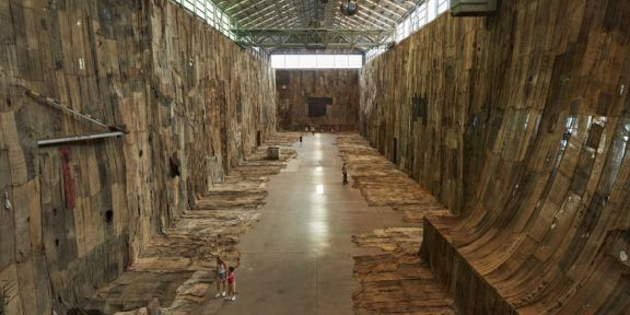 Biennale di Sidney 2020 Ibrahim Mahama, No Friend but the Mountains 2012-2020