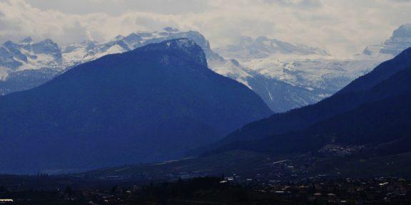 Stefano Cagol, Dolomiti di Brenta dallo studio, Val di Non, 21 marzo 2020