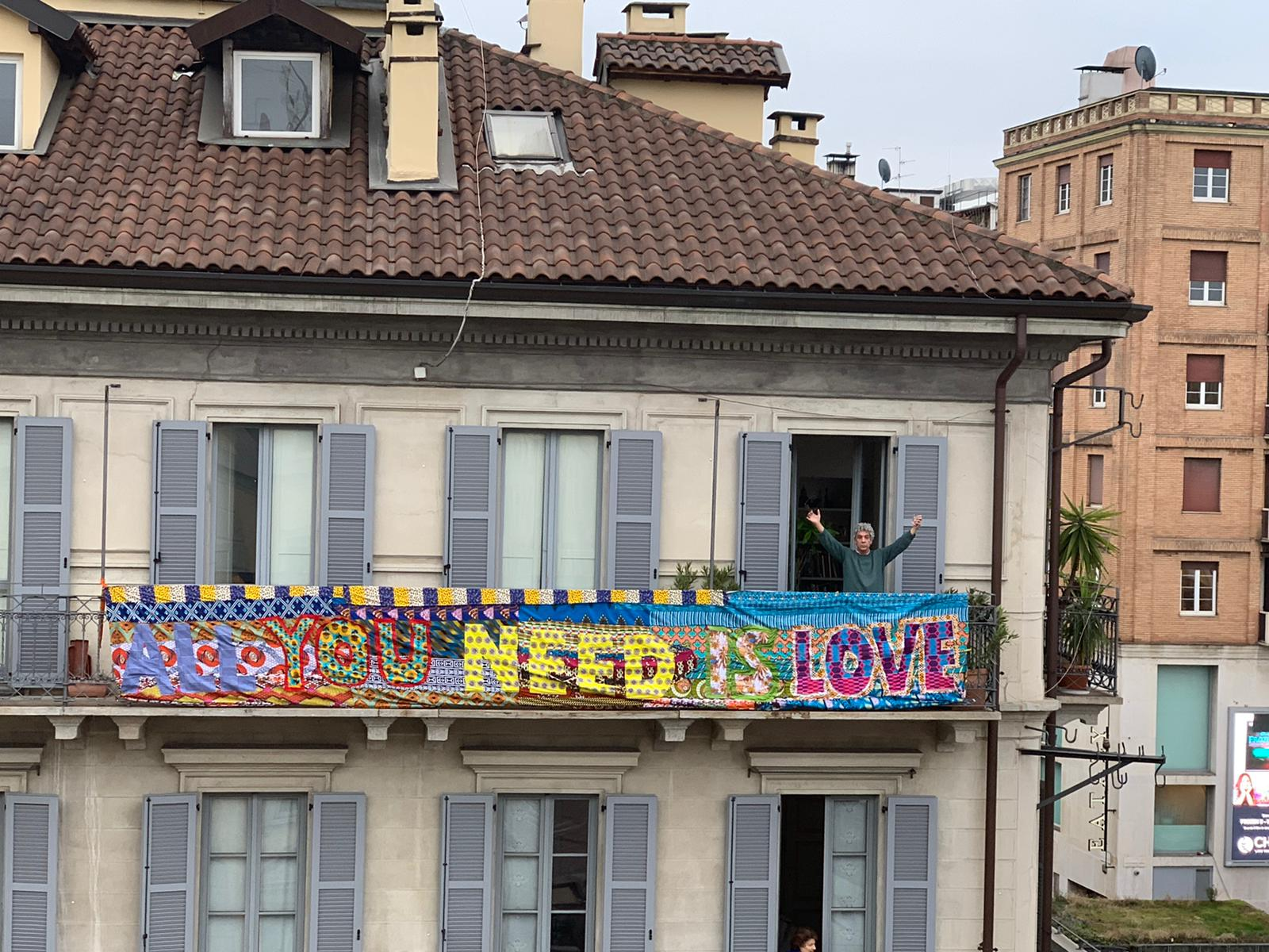 "All You Need is Love. E l'arte ""da casa"" finisce in prima pagina sul Corriere"