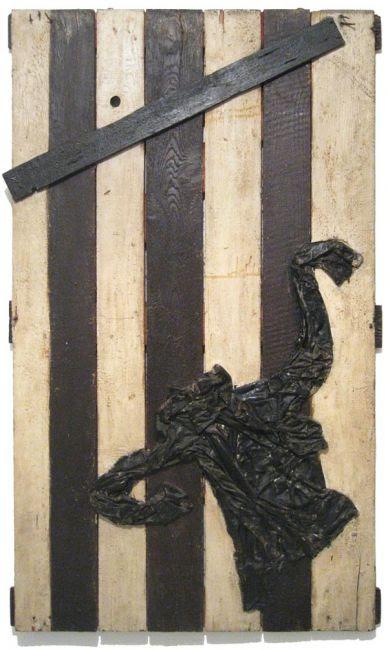 Marisa Busanel, Donna che nuota sott'acqua, 1960. Tecnica mista su tavola. 150 x 88 x 5 cm. © Gli eredi. Courtesy FFMAAM, Collezione Francesco Moschini e Gabriel Vaduva A.A.M. Architettura Arte Moderna.