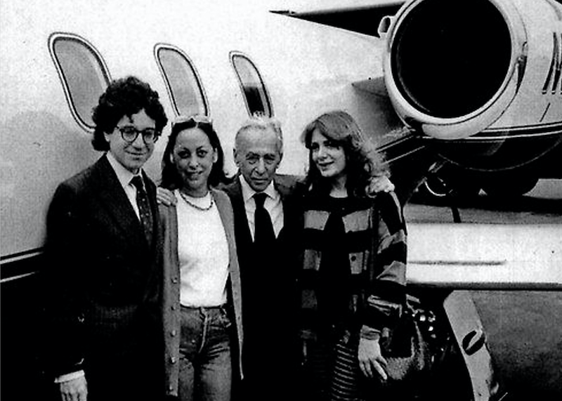 Da destra: Laura Grisi con Leo Castelli, Barbara Jakobson e Jeffrey Deitch a New York, 1988. Courtesy P420, Bologna. Come conobbi Angela Davis
