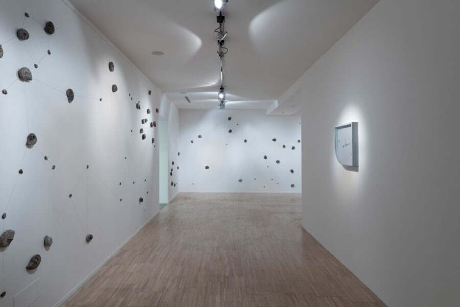 2019 - Once Upon a Time - Installation view 01 - galleria Gilda Lavia - Roma - Ph Giorgio Benni - Courtesy Galleria Gilda Lavia