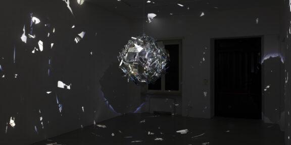 Cleo Fariselli, Dancing, 2019 veduta dell'installazione, Almanac Inn, Torino, foto Sebastiano Pellion Di Persano