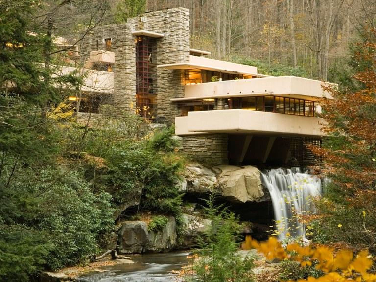 10 imperdibili docu-film sull'architettura. Dalla cascata di Lloyd Wright allo sguardo leggero di Albini
