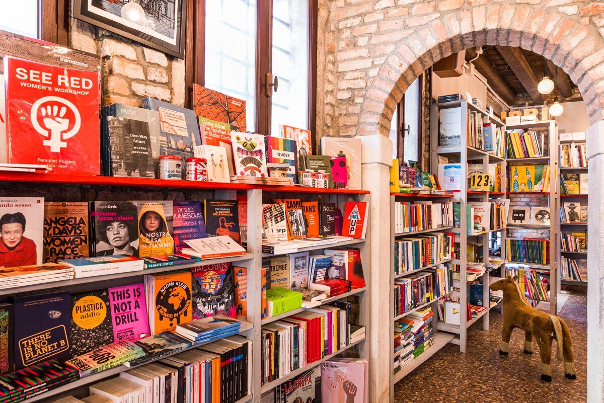 La mitica Libreria Marco Polo riapre, ottima notizia a Venezia