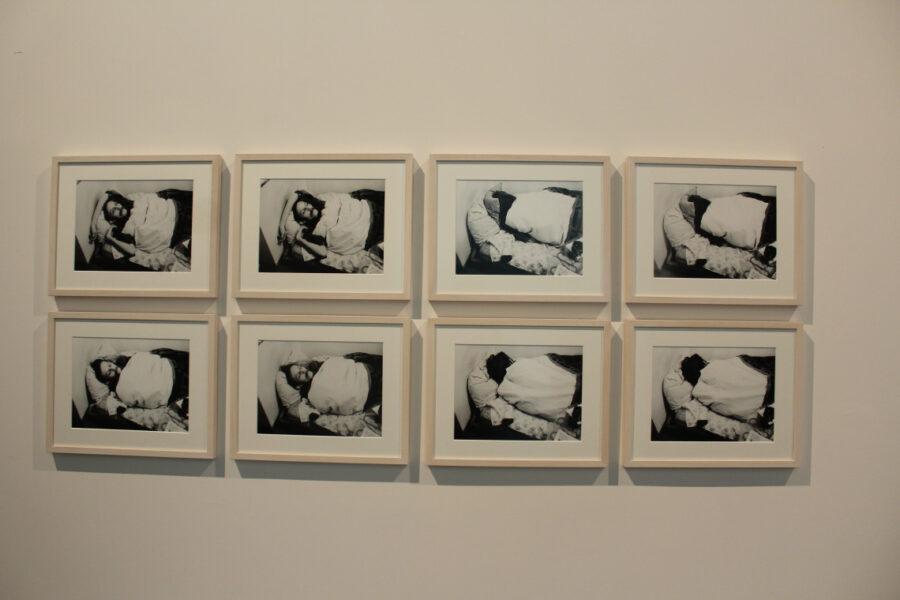 """Mladen Stilinovic, 1977, """"Artist at work"""", Sequenza fotografica"""