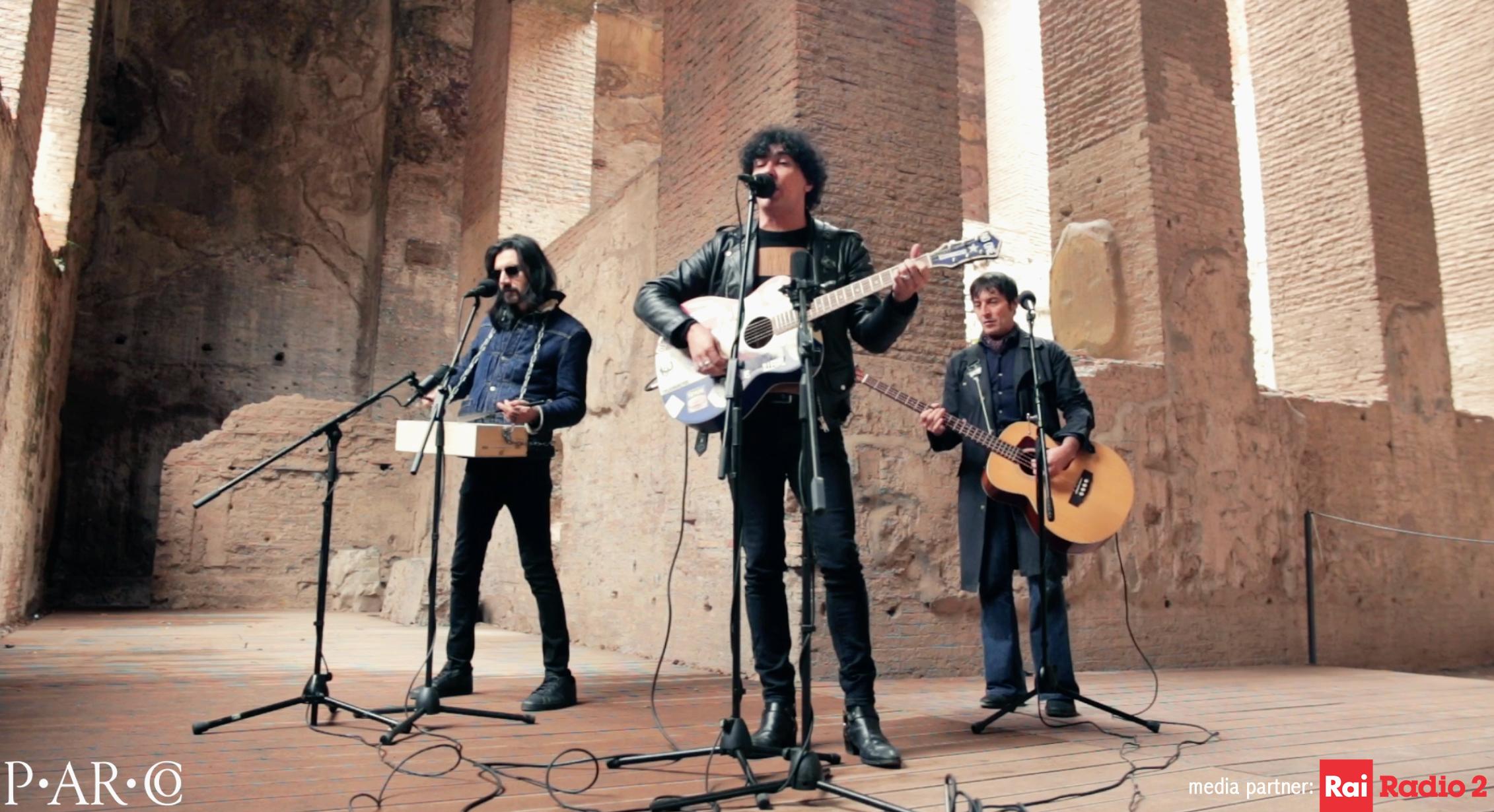 Rai Radio2: cantautori e gruppi rock in onda dal Parco del Colosseo, la musica risuona tra le vestigia antiche