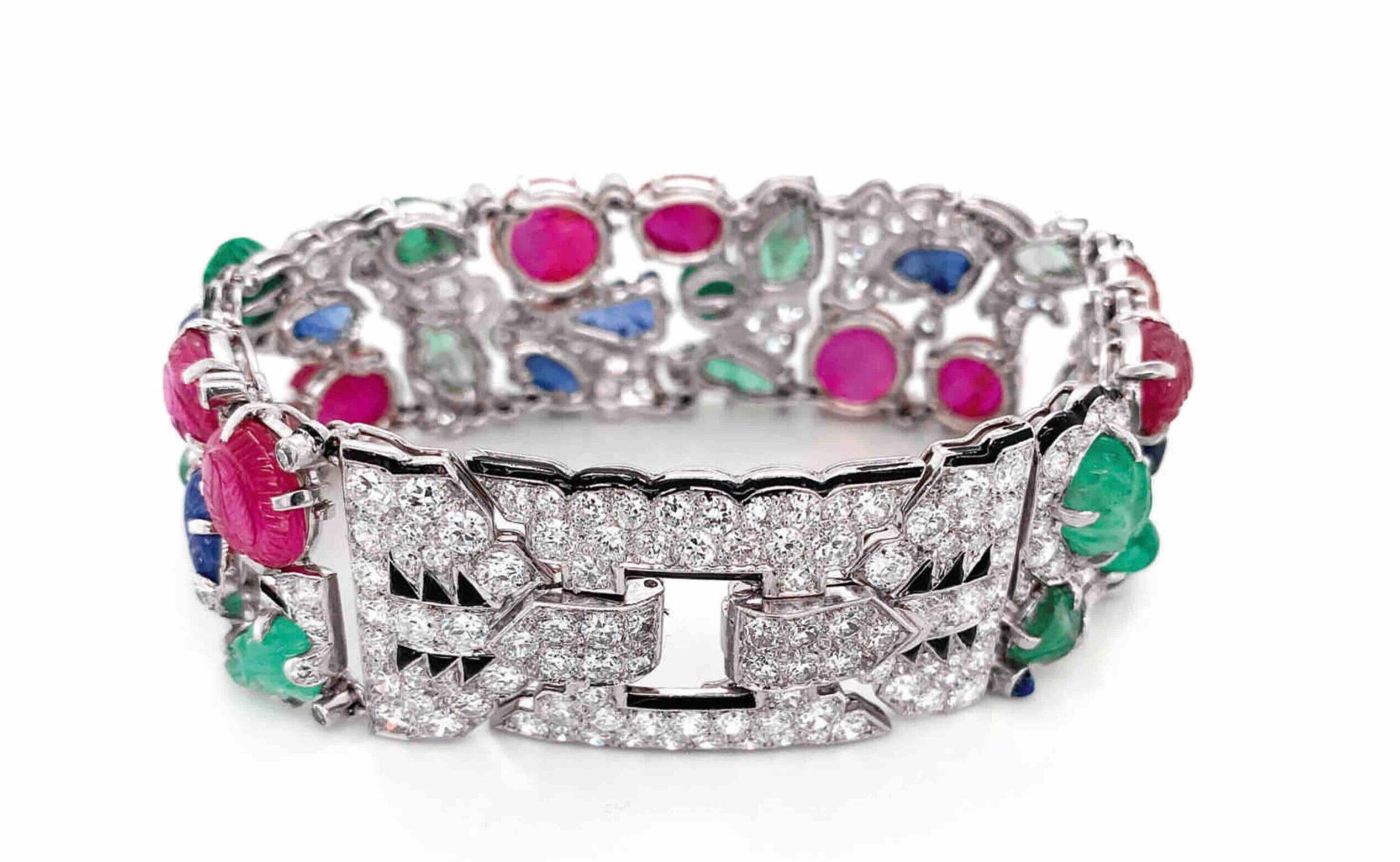 """Un bracciale """"Tutti Frutti"""" di Cartier vola a 1,3 milioni in asta da Sotheby's"""