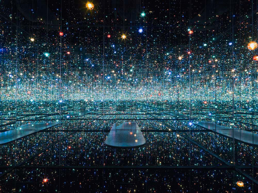 Gli spazi infiniti di Yayoi Kusama si riempino di musica: l'iniziativa del The Broad di Los Angeles
