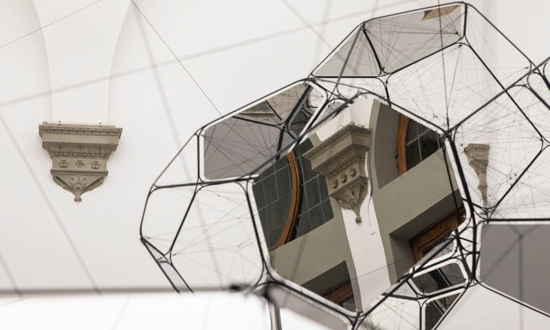 Palazzo Strozzi: Saraceno riapre, Koons slitta al 2021. Ecco la ripartenza del museo fiorentino