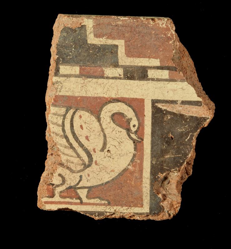 rammento di syma rampante con figura di cigno, inv. SYM 158. Deposito SABAP di Pyrgi