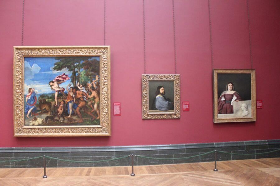 11.Da sinistra verso destra: Bacco e Ariadne, Ritratto di Girolamo Barbarigo, Ritratto della Schiavona, Sala numero 8, SainsburyWing, National Gallery, Londra