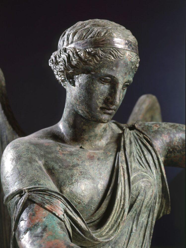 Vittoria Alata prima del restauro _ Archivio fotografico Civici Musei di Brescia - FotostudioRapuzzi
