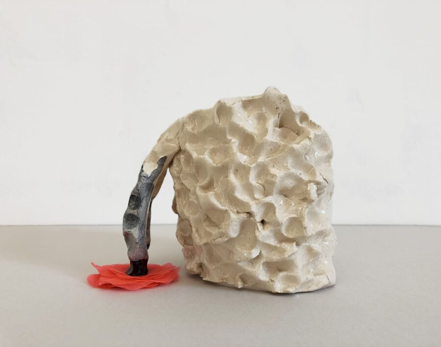 Elisa Muliere _ Horse Head, 2018-19, handpainted ceramic and fabric, 15x15x15 cm