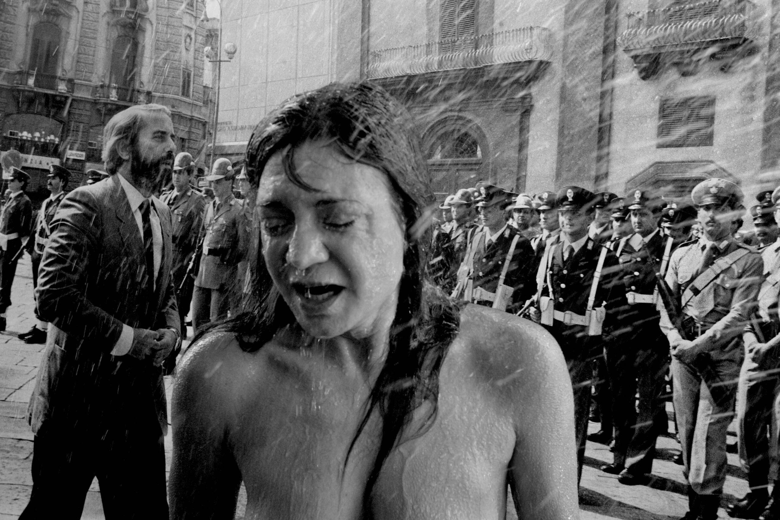 Crumb Gallery Firenze. I nudi femminili di Letizia Battaglia si (ri)svelano