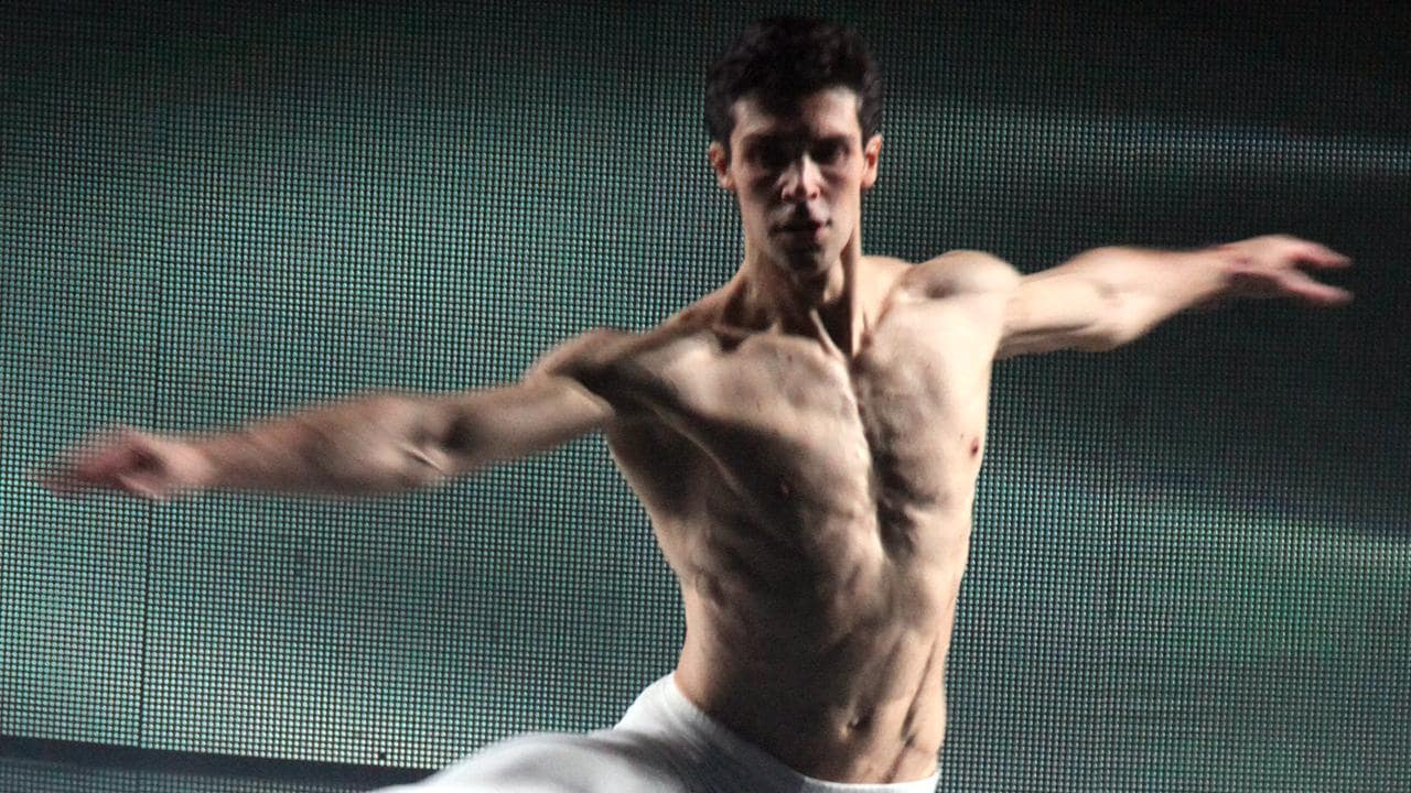 La danza di ieri e di oggi nella Domenica con Roberto Bolle, su Rai Storia