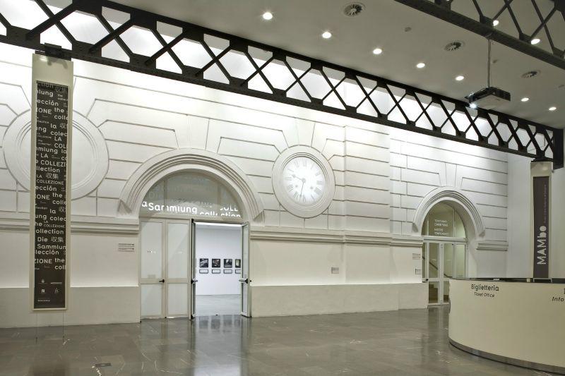 Veduta del Foyer del MAMbo_foto Matteo Monti