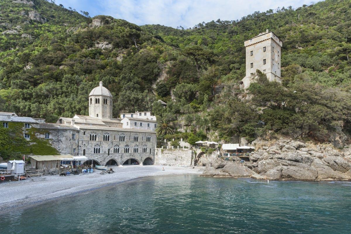 Storie di monaci, principi e pescatori. Il viaggio virtuale del MiBACT all'Abbazia di San Fruttuoso