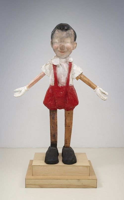 Pinocchio (Blind Boy), 2004 smalto su legno / enamel on wood 261,6 x 170,2 x 80 cm Courtesy Richard Gray Gallery e l'artista/Courtesy of Richard Gray Gallery and the artist © Joerg Lohse, Courtesy the artist and Richard Gray Gallery, Chicago/New York