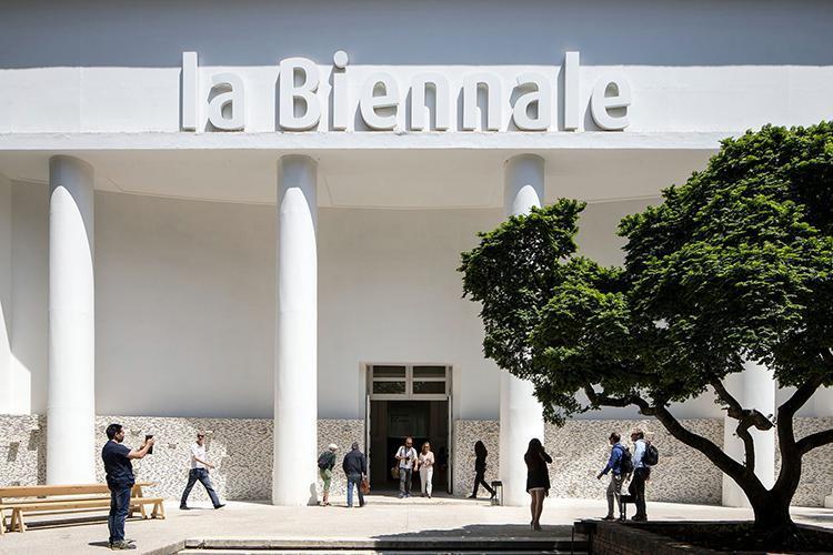 Slittano le Biennali: Venezia riscrive il calendario delle sue grandi esposizioni