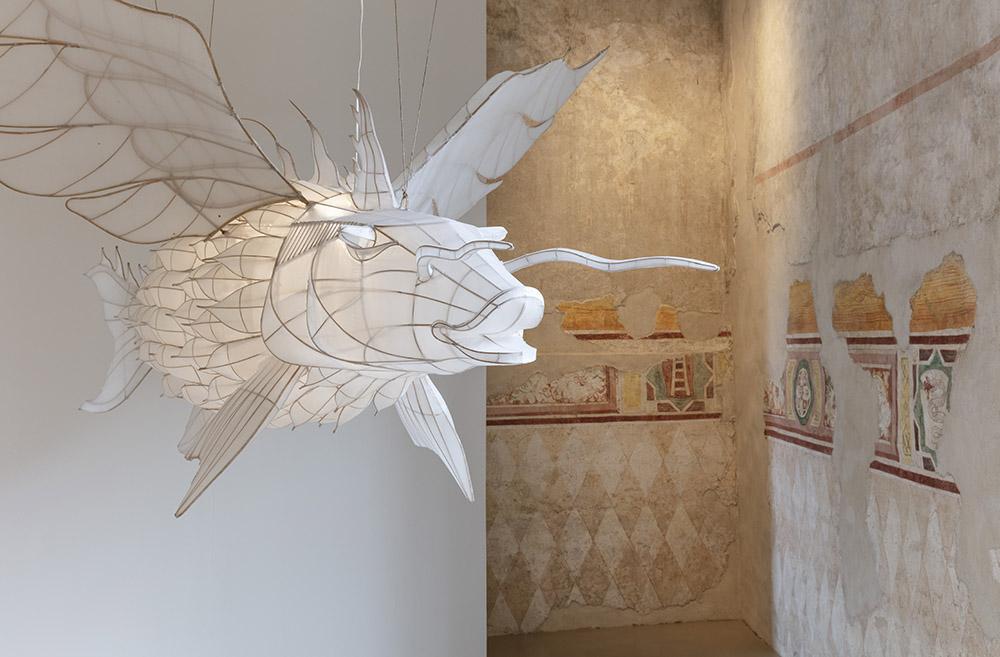 Da Ai Weiwei a Gormley. Il fantastico (e la sua utopia) come realtà alternativa, il bisogno di un altro mondo. Alla Rocca di Angera