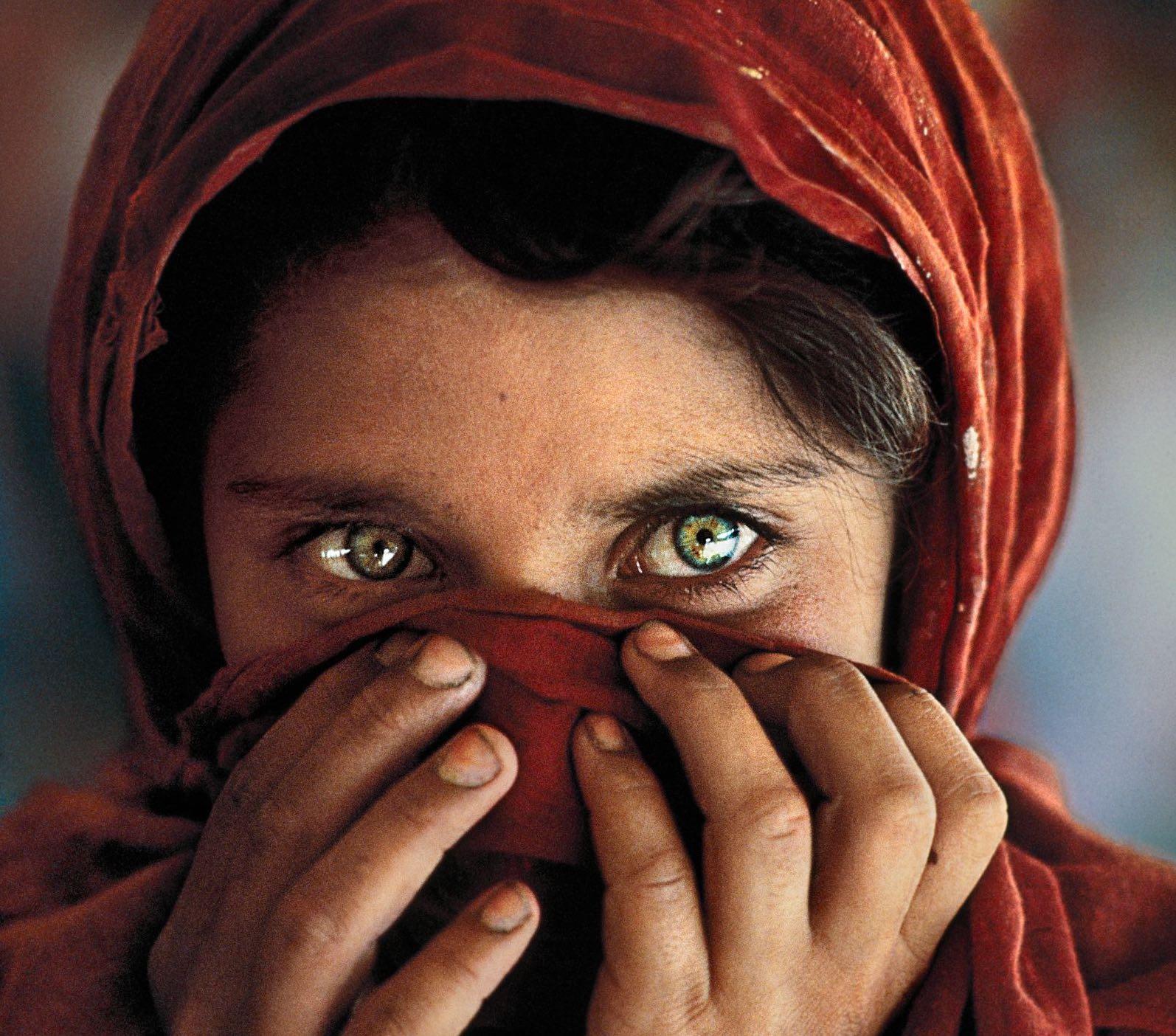 Steve McCurry, Icons. A Cagliari, 100 immagini ripercorrono la carriera del fotografo statunitense