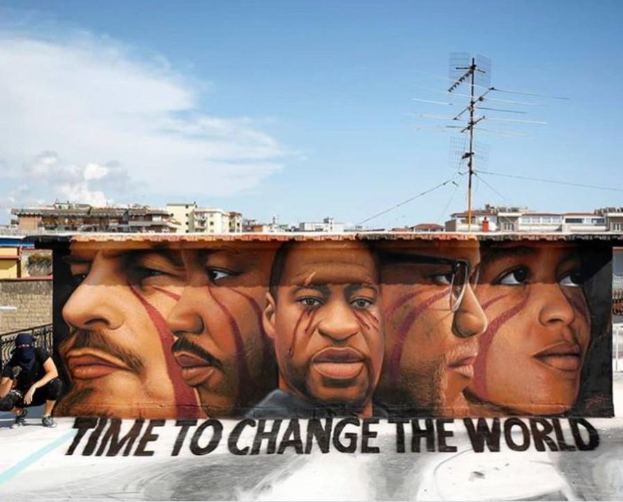 Lottare per i diritti, contro l'abuso di potere. George Floyd assieme a Martin Luther King, Angela Davis, Lenin e Malcom X, firmato Jorit