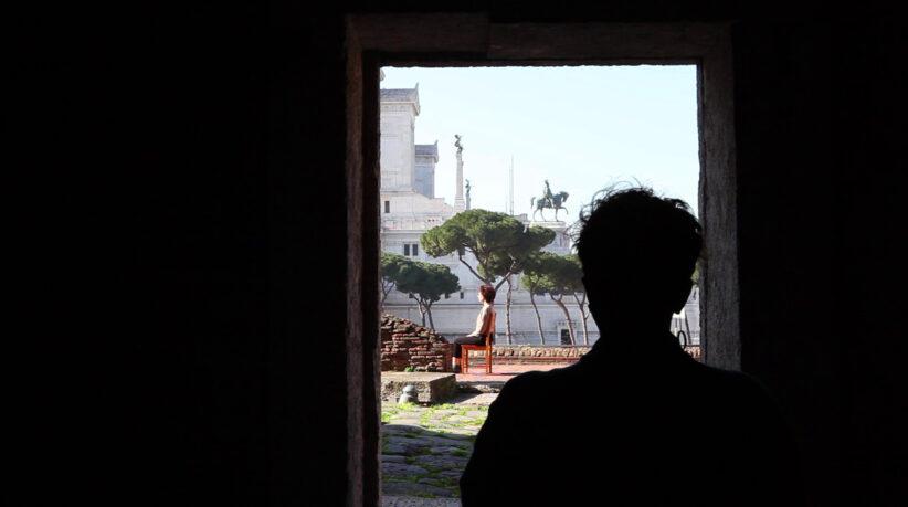 Sonia Andresano, permesso di sosta e fermata, 2020, still video, Atelier d'artista - Mercati di Traiano, courtesy l'artista