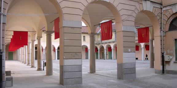 Mocellin e Pellegrini, Controcorrente, Palazzo Broletto di Gallarate, 2004