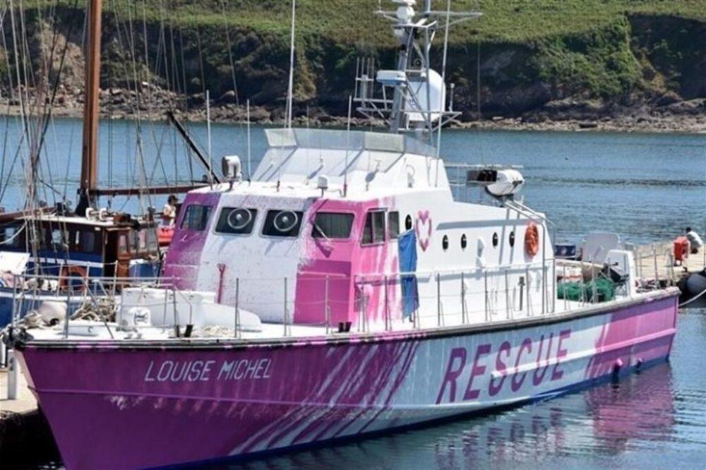 L'imbarcazione Louise Michel finanziata da Banksy