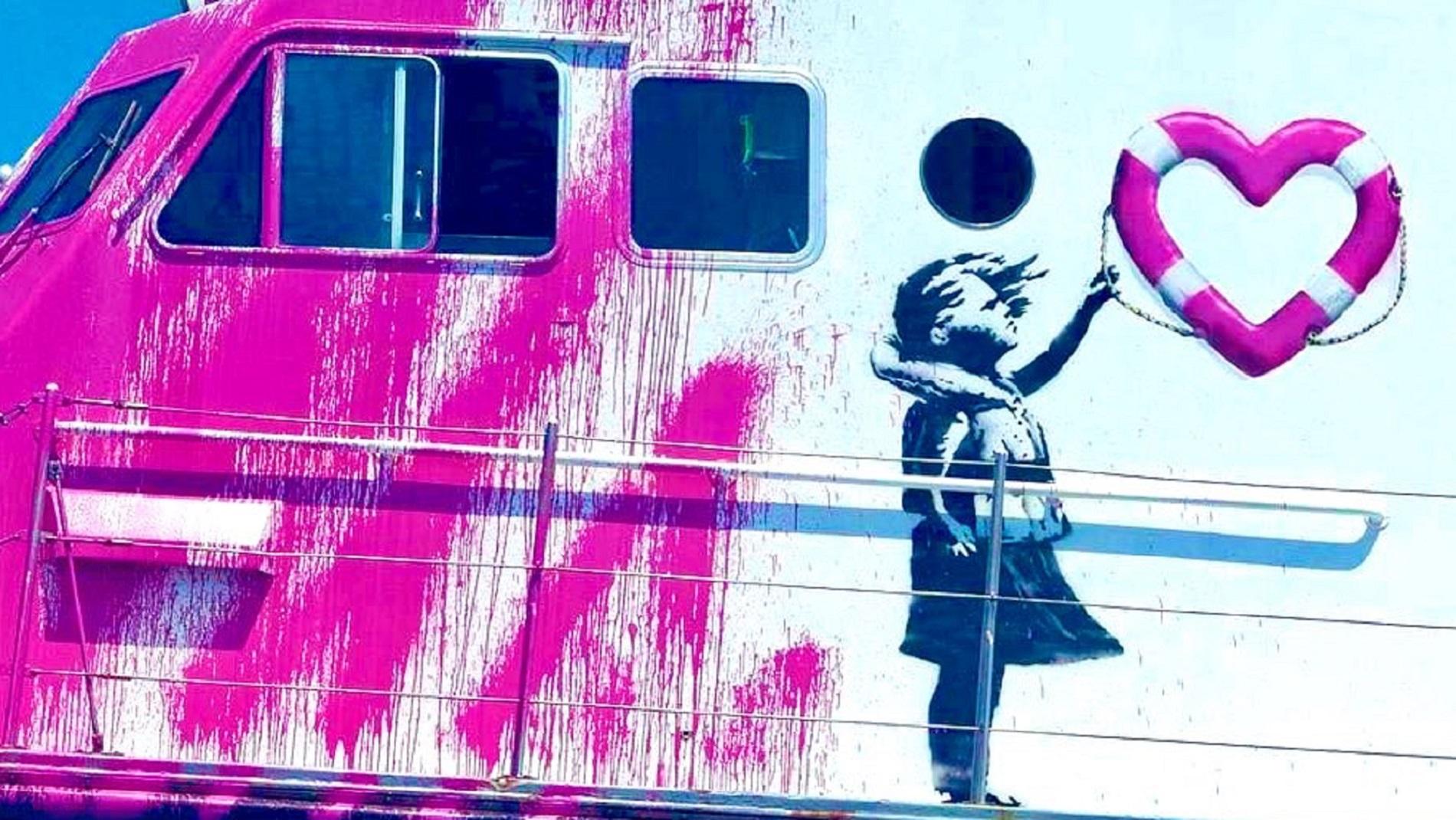 Confermato! È di Banksy la nave umanitaria che ha appena salvato 89 migranti