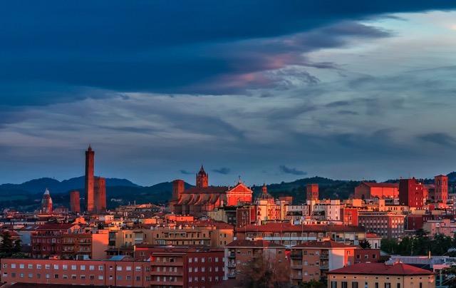Ricominciare, dall'Italia. Alla scoperta di meraviglie (insolite) del Paese con giovanissimi storici dell'arte